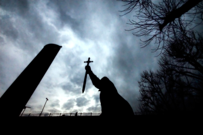 killer-statue-london